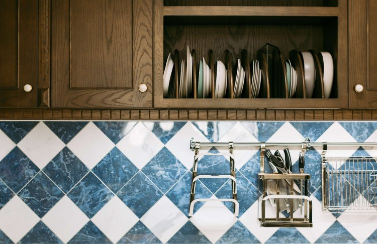How to Clean Kitchen Cabinets The Right Way - Guy About Home ...