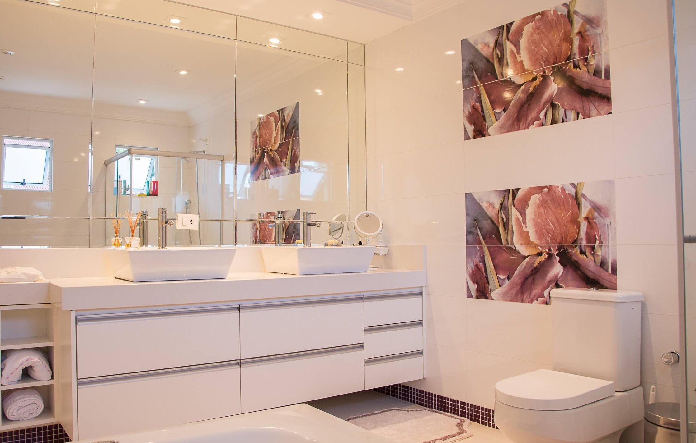 The Best Bathroom Wall Decor Ideas