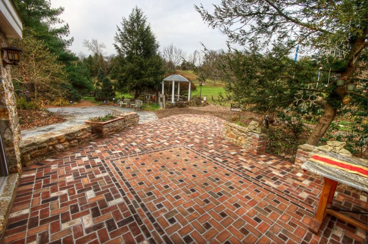 Designing Your Patio: The 6 Best Types Of Stone To Choose