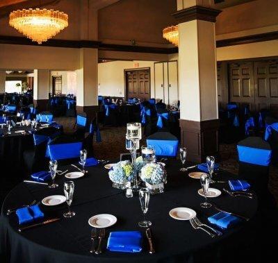 Royal blue wedding banquet decor